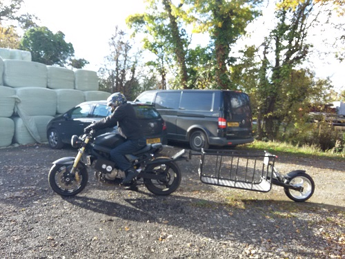 leaning motorcyle trailer